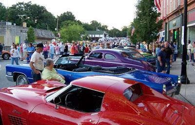 Cruz'in Classic Car Show Parade